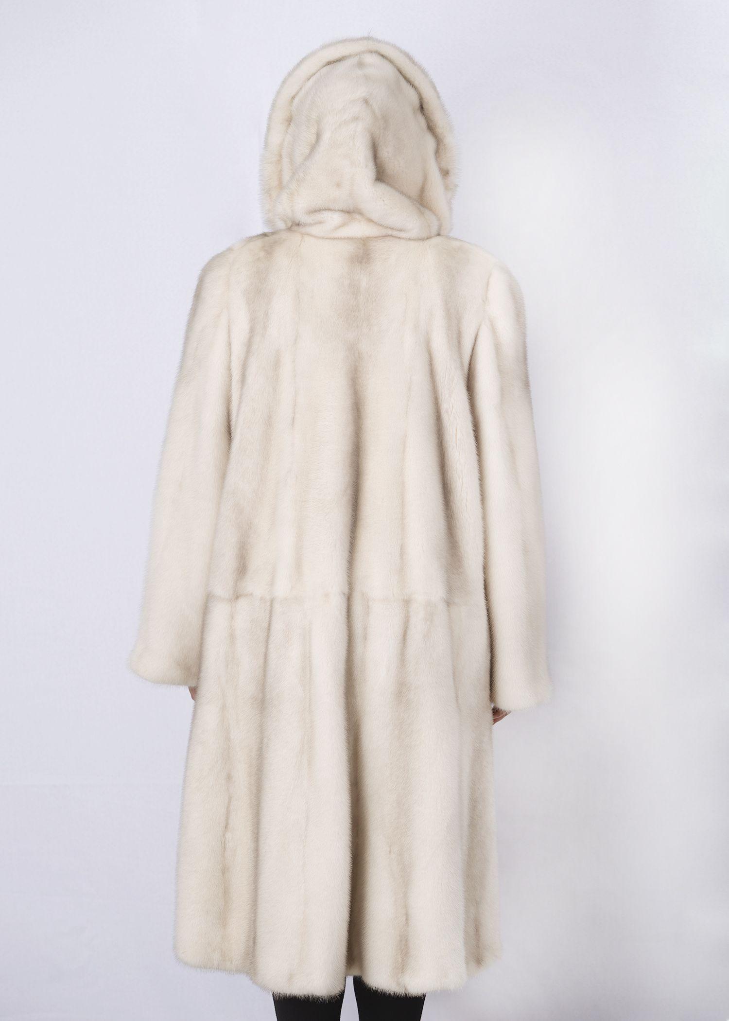 Шуба женская норковая 1534 фото №1